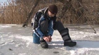 Ловля окуня и плотвы на зимнем пруду.