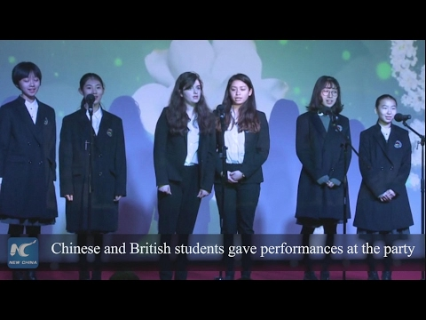 Chinese and British students give performances for cultural exchange