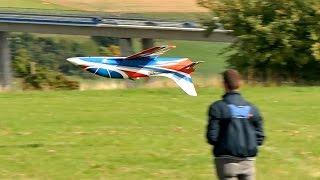 JET ITALIA TURBINES AVANTI S LEONARDO SCARDIGLI GIGANTIC RC JET FLIGHT SHOW / Jetpower Messe 2015