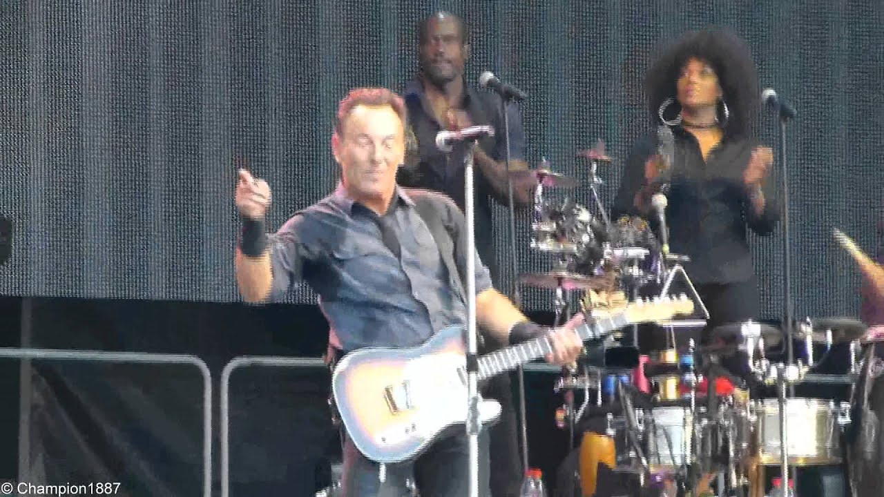 bruce-springsteen-the-e-street-band-you-never-can-tell-rare-song-leipzig-07072013-live-u2ultraviolet26