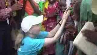 UNICEF: Ambassador Mia Farrow in Darfur