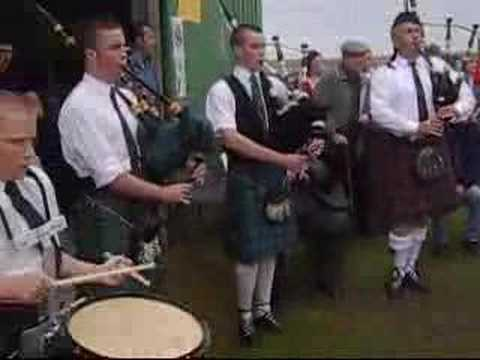 Piping in the Uists