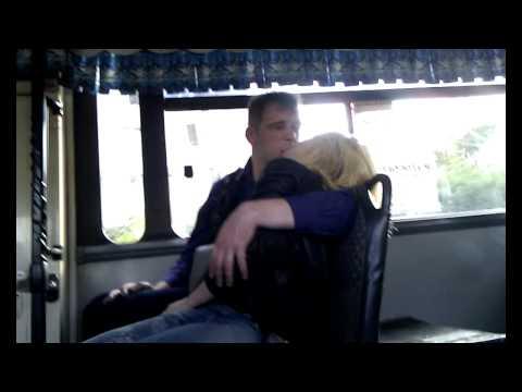 ласки в автобусе