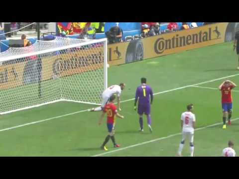 PIQUE goals Spain-Czech Republic 1:0