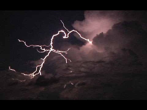HD Clear-air lightning bolts under the 'thunder moon' - Illinois, July 22, 2013
