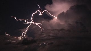 HD Clear-air lightning bolts under the