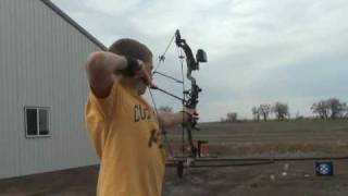 This is my Razors Edge Diamond Compound bow shooting... Awesome bow...