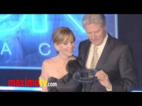 "Bruce Boxleitner & Melissa Gilbert - ""TRON: Legacy"" World ..."