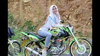 Download Video Musik dj slow!!model cewek cantik  hijab bersama modif tiger herex MP3 3GP MP4