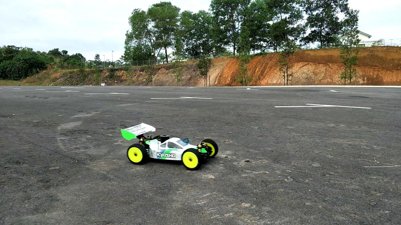 Carson PIN Grip Buggy Complete 1//8 Pneus Jante terrain roues Specter 4