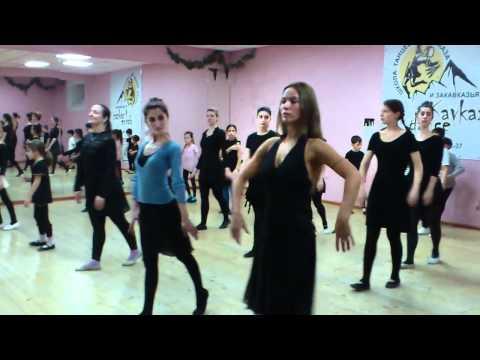 том, учить женские армянские танцы нужно уделять особое