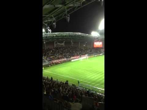 На футбольном матче в Борисове фанаты пели песни и кричали «Жыве Беларусь!»
