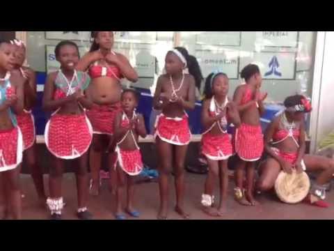 South -Africa dancing girls