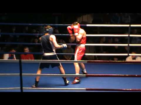 Жесткий бой двух мастеров спорта