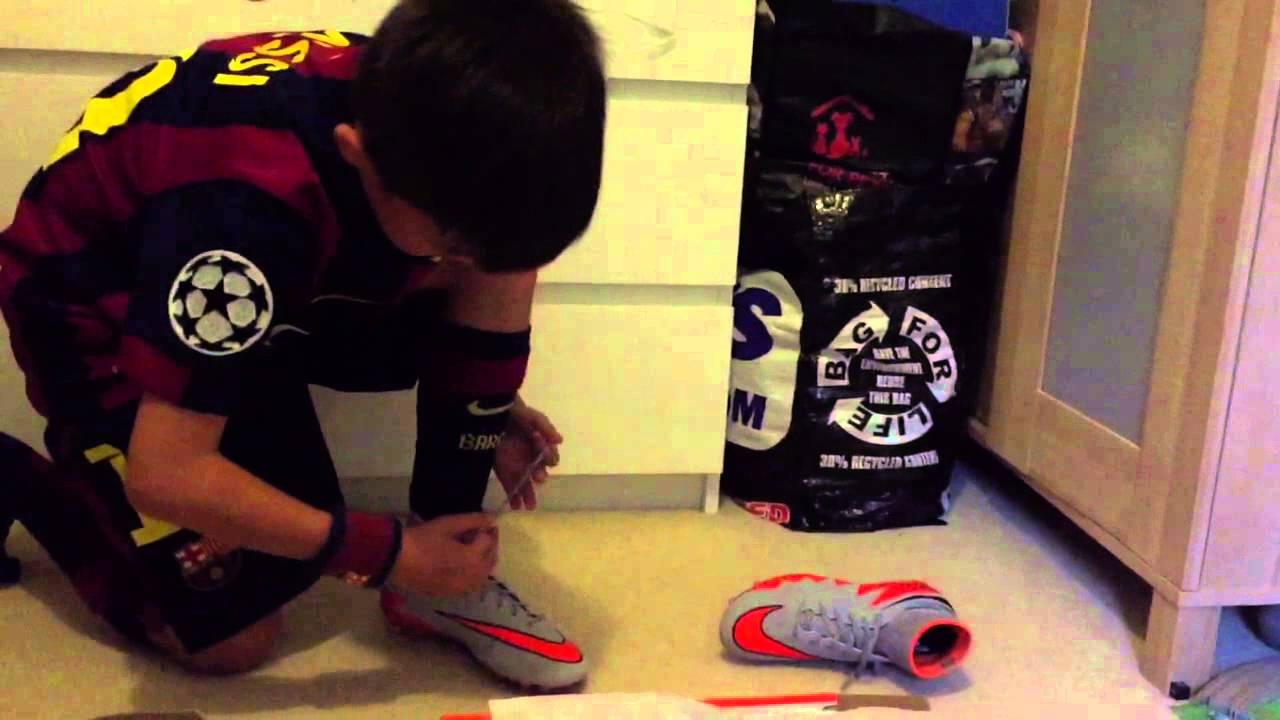 15b6a13b573 Nike Jr. Hypervenom Phantom II FG Kids Unboxing and Review - YouTube