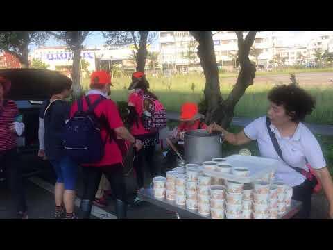 2018/05/18 白沙屯媽祖北港徒步進香-在台中梧棲臨港路上的善心太太