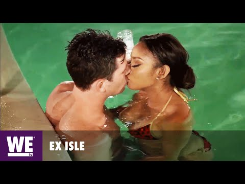 Cringe at First Kiss | Love at First Kiss from YouTube · Duration:  1 minutes 52 seconds