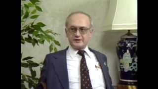 Former KGB Agent Yuri Bezmenov Explains How to Brainwash a Nation (Full Length)