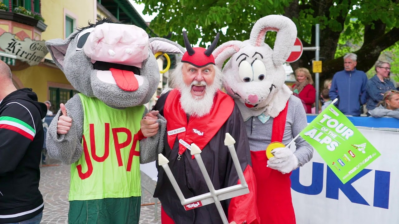 Tour of the Alps Day 2 - Show and folklore burst on the Scena
