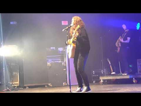 Alessia Cara - Overdose (Live)