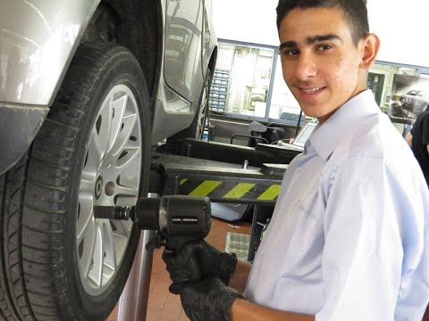 Adventure-Praktikum 2015: Kraftfahrzeugmechatroniker