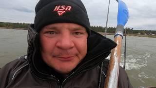 ЖОРСТОКА Рибалка з НОЧІВЛЕЮ. Рибалка на спінінг восени. Поролонка і мандула.