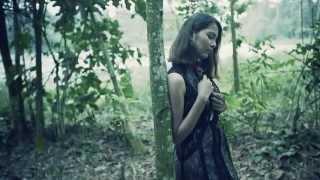 Repeat youtube video Aisyah Aziz - Pilihan Sejati (Official MV)