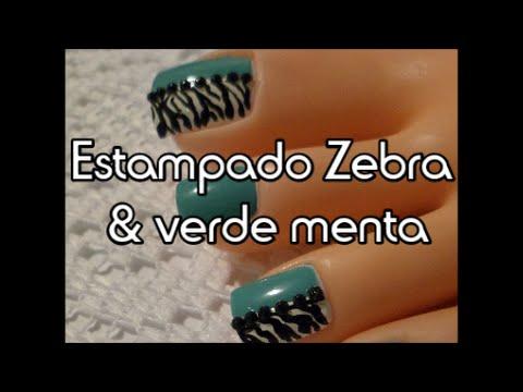 Zebra Y Verde Menta Decoración De Uñas Para Los Pies Zebra Print And Mint Color Toe Nail Art