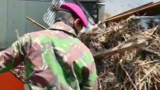 Tim Marinir TNI AL Bantu Korban Gempa dan Tsunami