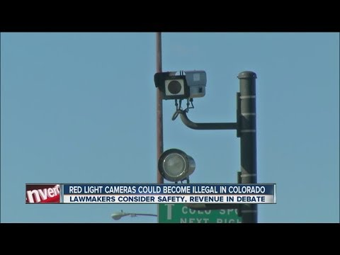 Senator seeks to ban red light cameras