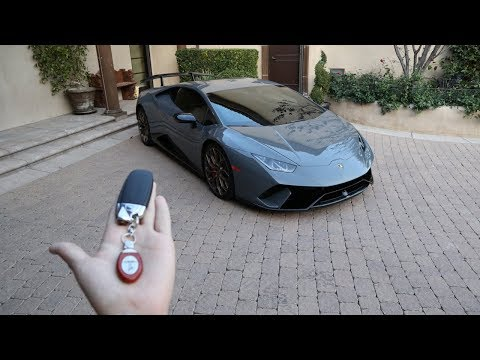 REVIEW: Lamborghini Huracan Performante!
