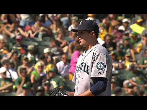 SEA@OAK: Smith induces groundout in career debut