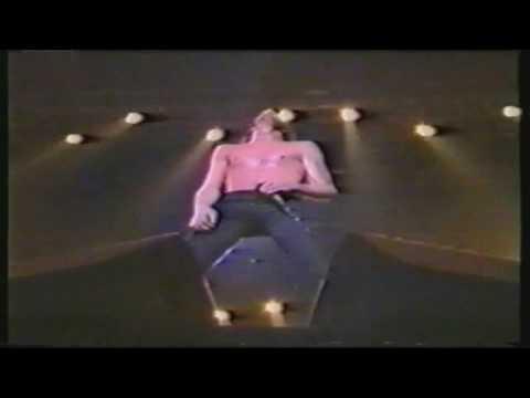 Skid Row  - C'mon and Love Me (Live at Budokan Hall 1992) HD
