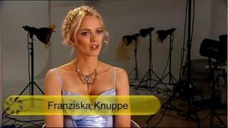 Franziska Knuppe im sexy Dirndl