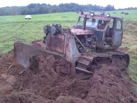 Bulldozer T 100 (joske)