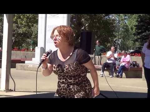 "MICHELLE KNIGHT kidnapped victim sings "" HERO"" in victory !"