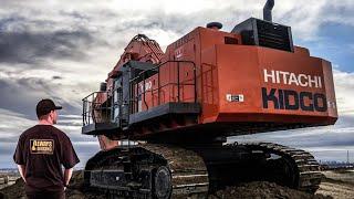 Hitachi ex1200 Upclose Loading