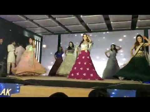 #wedding #Sangeet_Sandhaya #ChoregraphByME Song Nach Dene Sare +High Heels+Badri_Ki_Dhulaniya.