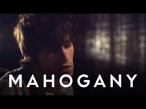 Max Jury - Love That Grows Old | Mahogany Session