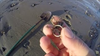 Beach Metal Detecting Minelab Equinox finds Gold in Rock Pools