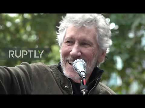 UK: Roger Waters performs at rally in support of Assange in London