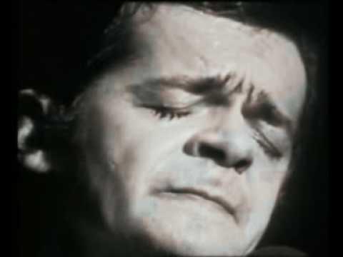 "Serge Reggiani ""La Vieille"""