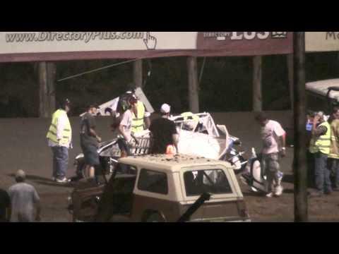 Sprint Car Wreck SNMS 5/28/11