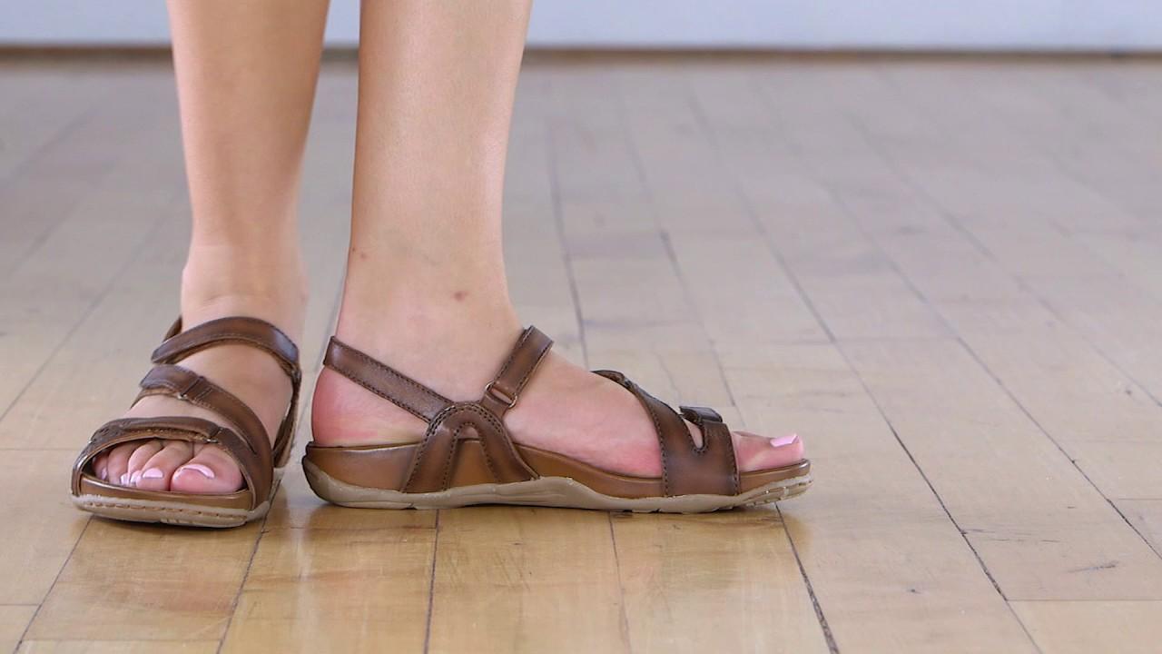 1fecfe20fa7 Earth Maui. Earth Shoes