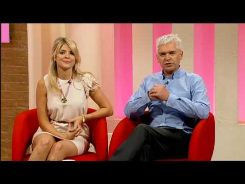 Holly Willoughby 160710