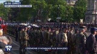 Hommage national aux militaires tués au Burkina Faso: le cortège traverse le pont Alexandre III