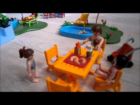 Film playmobil l 39 apr s midi la piscine youtube for Piscine playmobil