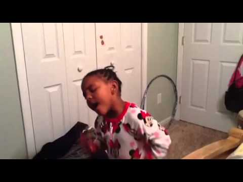 Makayla singing Man in the Mirror from Joyful Noise movie