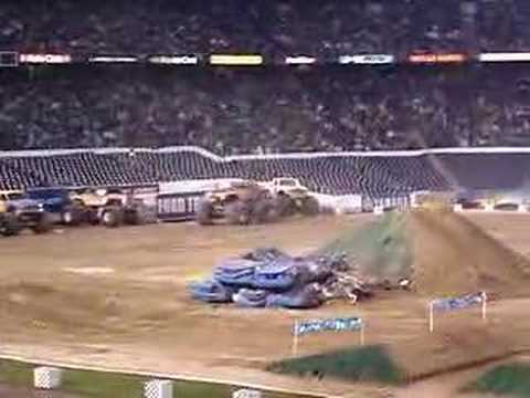 Monster Mutt Crash - San Diego 2006