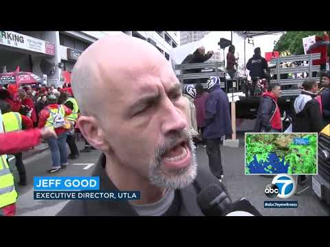 Bootleg Kev - Thousands of Teachers Rally in Downtown Los Angeles to Strike